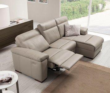 Divano loryan relax pelle 2 posti for Max relax divani
