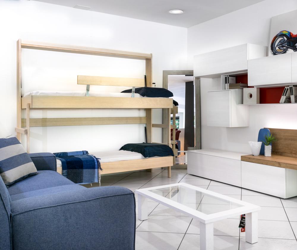 Camere con letti a scomparsa salvaspazio con letto a for Ikea letto ribaltabile