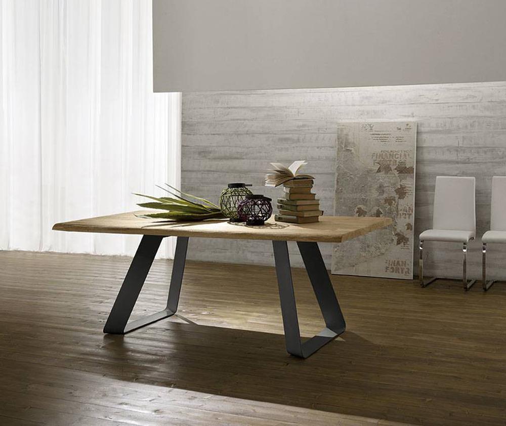 Tavolo grande legno - Ristrutturare tavolo in legno ...